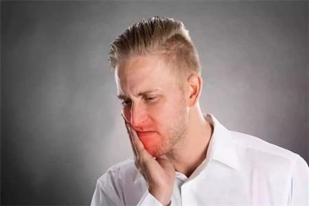 口腔溃疡发病原因,口腔溃疡的治疗方法这样做100%有效