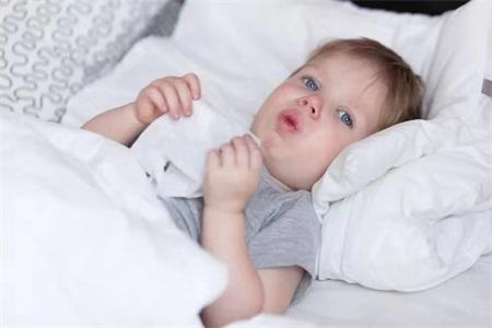 肺炎的症状有哪些症状?宝宝一直咳嗽是不是肺炎?