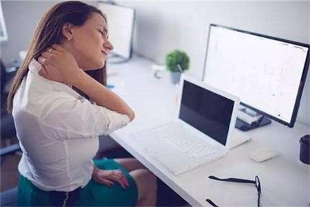 颈椎病的症状及治疗,预防颈椎病这四点有效果