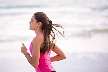 减肥最难瘦下去的腰臀,女生如何通过运动消除