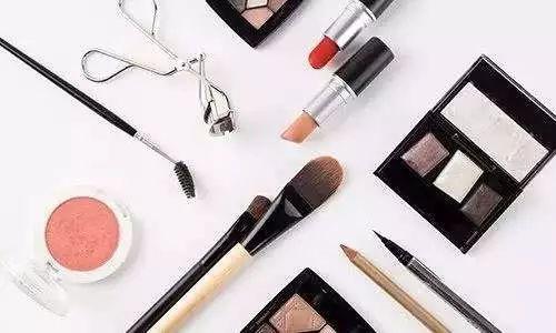 美白化妆品并不不安全?选购化妆品得看这点.jpg