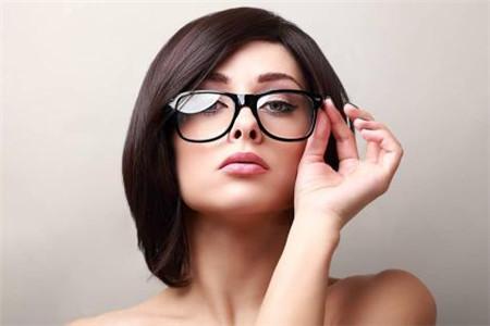 教你画个眼镜妆,近视也抵挡不住女生的美貌