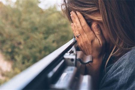 【杂】女性不要婚姻里抱怨,那样只会更加不幸