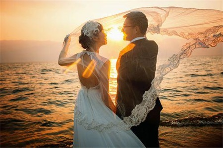 2最好的婚姻,是互不打扰,留给对方自由.jpg