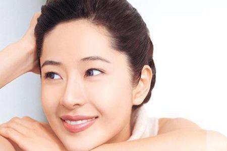 女生消除脸部皱纹,五个预防的最好方法