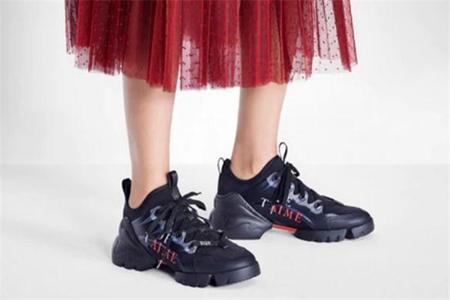 秋天增高运动鞋人气高,Chanel、Dior的老爹鞋时尚 时尚 Dior Chanel 增高运动鞋 服饰搭配  第3张