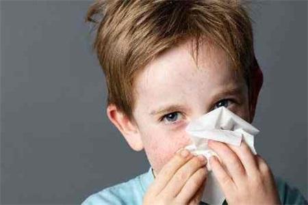 孩子感冒流鼻涕怎么办 速效办法先看这三点立马见效