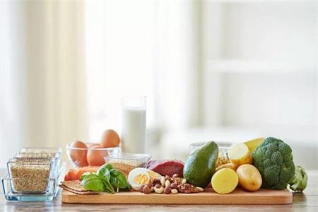 减肥好方法:不吃晚饭能减肥吗?女性减肥吃什么?