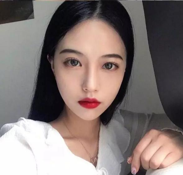 妆容怎么画 这样的精致适合黑发色的你
