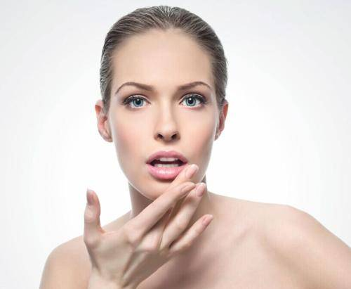 如何快速清除脸部的色斑