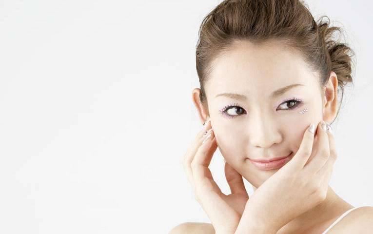 如何让皮肤美白的方法推