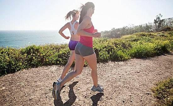 女生正确地慢跑减肥 你做对了吗