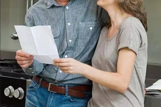 房产开发商让渡70套豪宅,只求老婆别离婚。。。