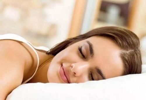 你应该要知道早睡对女人的好处