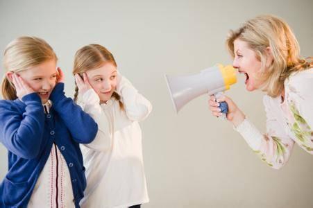 父母打骂孩子 会造成哪些影响