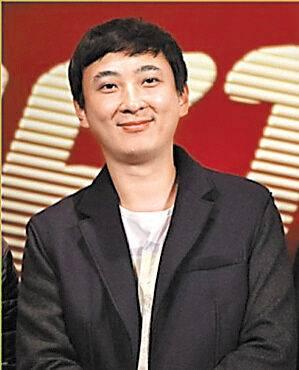王思聪晒避孕套称做头发,疑证实李小璐与pgone出轨事件
