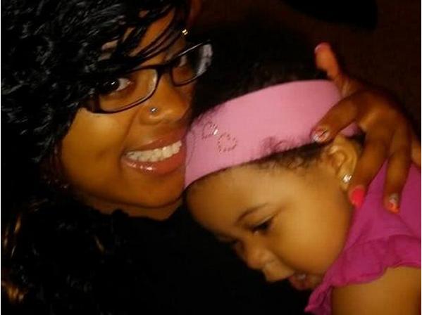 母亲虐待孩子致死 报警称孩子生病死