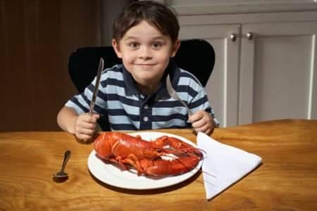 孩子长身体容易饿该给孩子吃什么?这些食物要少吃
