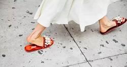 流行的奢侈品平底鞋 你值得拥有