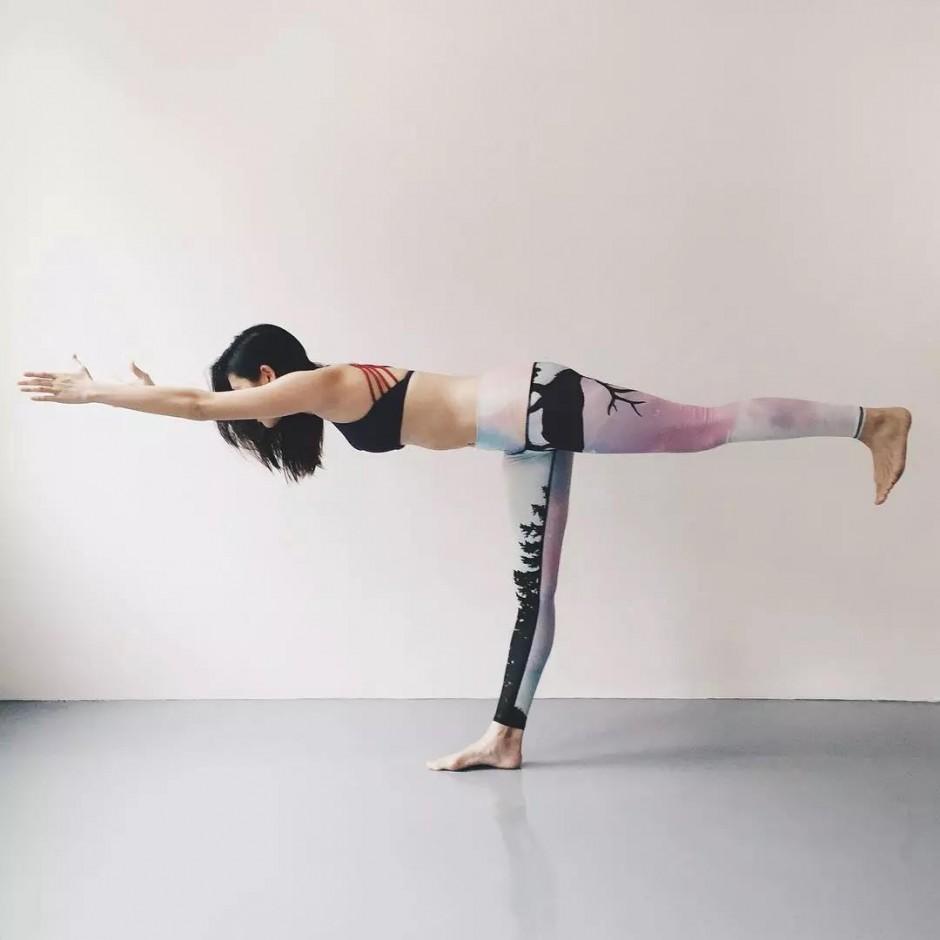 瑜伽中平衡體式的最大好處,竟然是這個