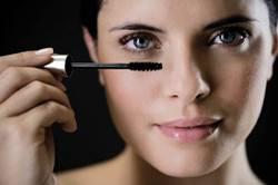 细致的睫毛养护,打造美丽电眼
