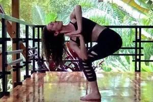 瑜伽还美容?四个体式带你排毒养新颜