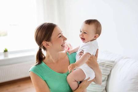 母亲的亲子按摩让婴儿发育更好,正确手法你知道吗