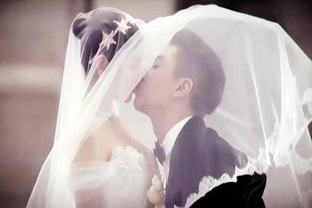 时隔两年的再拍婚纱照,双陈夫妇敢在甜一点吗?