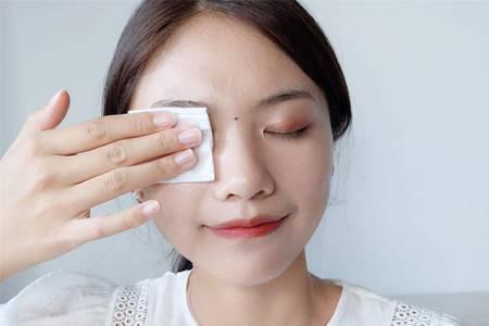 女生都会犯的洁面误区,卸妆不成功难怪肌肤问题不断