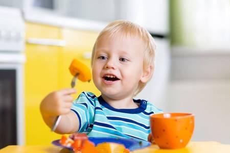 妈妈别看孩子吃得多,体质仍然是虚弱是怎么回事