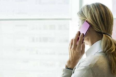 电话恐惧症,为什么有的女性更喜欢文字和语音交流而回避电话
