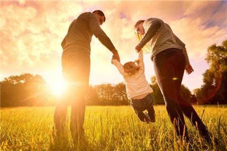 母亲和家人的争吵,如何才能够不影响孩子的心理
