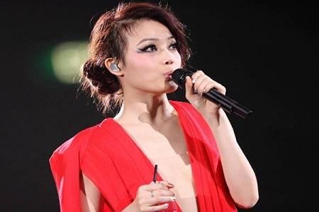 容祖儿承认分手,与师兄刘浩龙于去年3月已分开