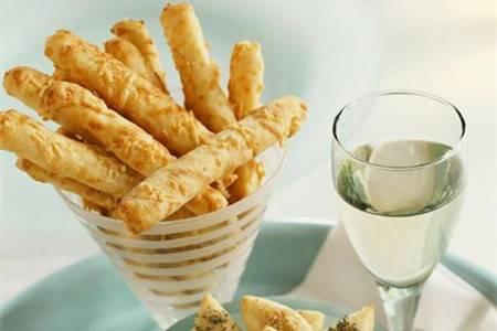 女生在家也可以完成的简单小饼干,自制小零食健康美味