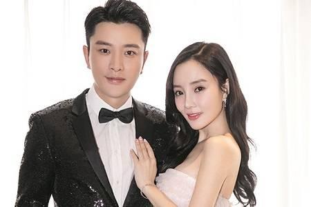 李小璐删掉与贾乃亮结婚合照,疑作势离婚事实