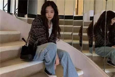 人间香奈儿Jennie,拥有什么样的私服展现品味