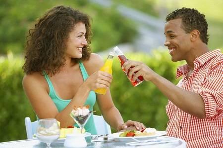 订婚宴上被女友甩了 我该怎么治愈男友给他安全感呢