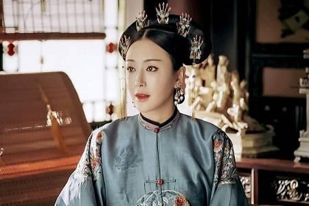 盘点皇后扮演者:秦岚白月光,周迅太老气,唯独她最为经典