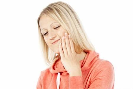 口腔溃疡吃对食物好得快,八种偏方吃一次就好