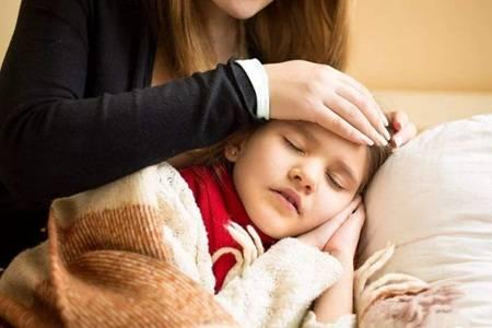 宝宝发烧39度的退烧最快方法,小孩反复发烧不能大意