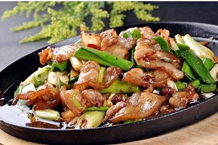 正宗回锅肉的家庭做法,香软三层肉下饭极品