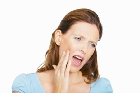 牙龈肿痛怎么办?缓解疼痛要针对原因去治疗