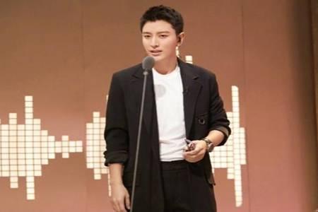 贾乃亮古装造型帅惨了,网友表示李小璐后悔来不及了