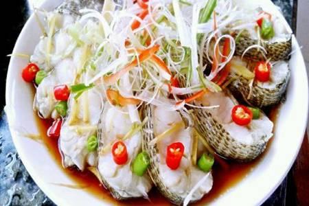 清蒸鲈鱼的做法,宝宝辅食添加这样做方便又营养
