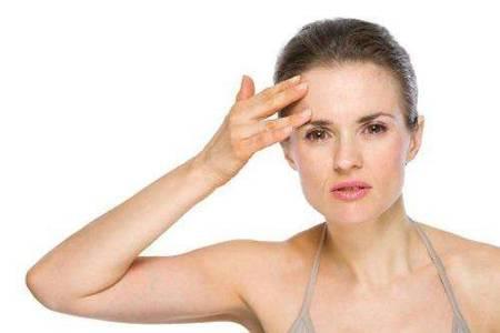 皮肤过敏红痒怎么办?不管是荨麻疹还是湿疹都要谨慎用药