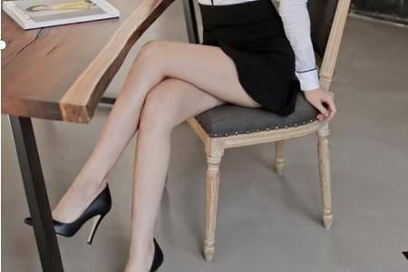 为什么女的正式场合要穿高跟鞋
