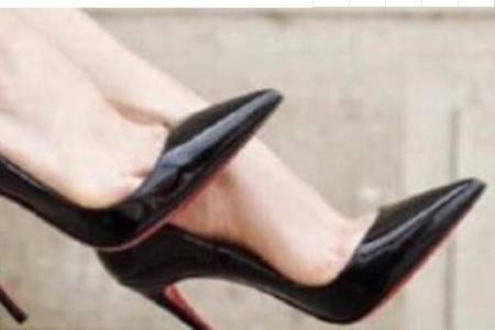 女生为什么爱穿尖头高跟鞋?