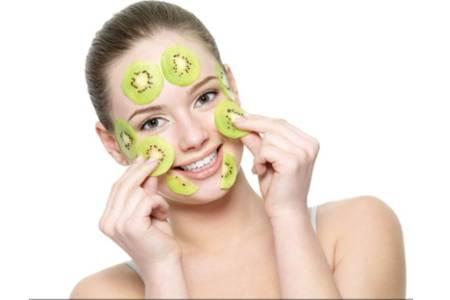 女生敷面膜的正确方法,女生美容的面膜护肤诀窍