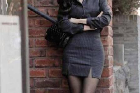 职场美女穿丝袜是美腿诱惑还是职业需要 丝袜究竟有什么魅力