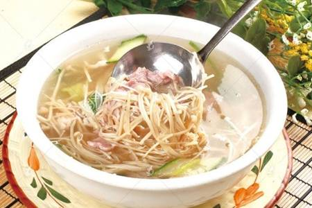 金针菇怎么做好吃?除了凉拌水煮酸汤系列好吃不上火